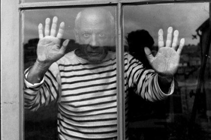 picasso_art_windowrobert-doisneau-picasso-behind-a-window-1952archives-picasso-courtesy-musc3a9e-national-picasso-paris-c2a9-atelier-robert-doisneau